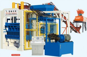 QT10-15型空心砖机